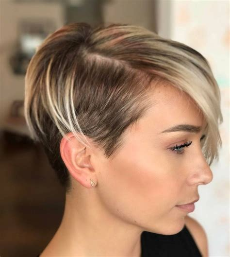 45 Sunny and Sophisticated Brown with Blonde Highlight Looks