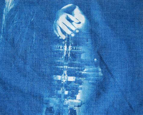 How To Make Cyanotype Paper - how to make creative cyanotype prints virginia duran