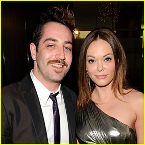 Is Mcgowan Engaged by Mcgowan Has The Knot With Boyfriend Of