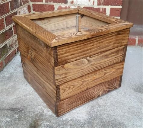 Planter Boxes Made From Pallets by 1000 Ideas About Pallet Planter Box On Pallet