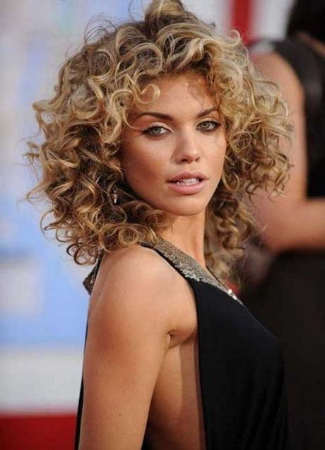 Hairstyles For Curly Hair 2016 by Curly Haircuts 2016