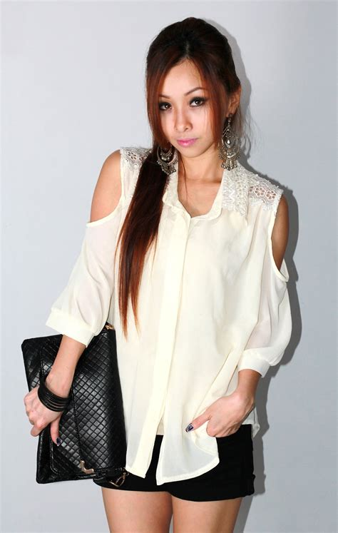 black never goes wrong angelina zhi look of the day 183 black white 183 never goes