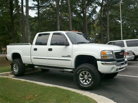 lifted white gmc white lifted gmc sierra chevy gmc trucks pinterest
