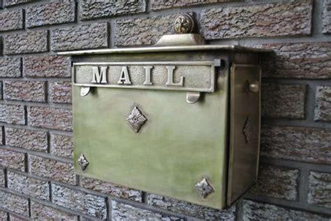 muro a cassetta idee originali per personalizzare la cassetta della posta