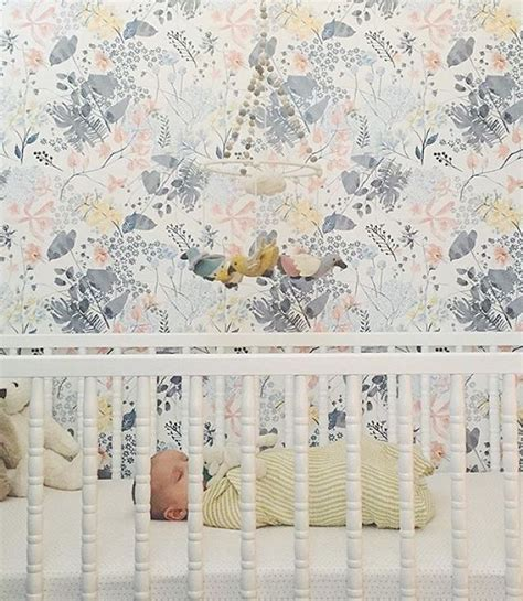 Crib Wallpaper by The 25 Best Ideas About Nursery Wallpaper On Baby Nursery Wallpaper Baby Room And