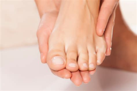 Toe Nail Care by Ingrown Toenail Treatment Powerful Home Remedies Footfiles