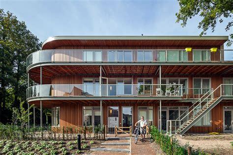 De Zwarte Hond Architecten by Wonen