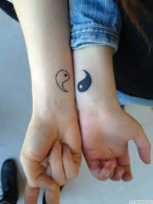 31 best matching tattoos for couples cool love design