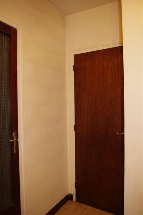 Dégagement vers chambre et garage à peindre   help CoUlEUrS