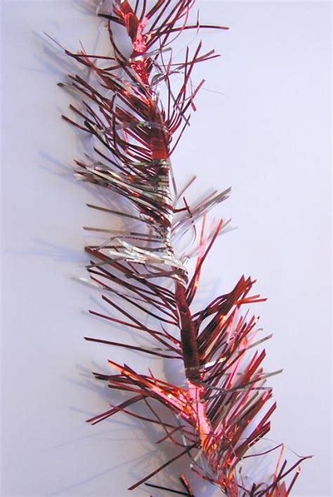free image of strand of red christmas tinsel