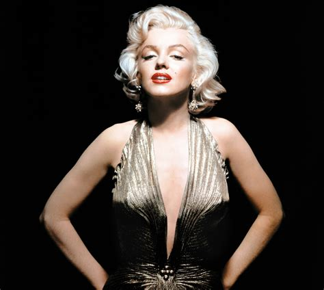 A Stunning Star: Marilyn Monroe (with images