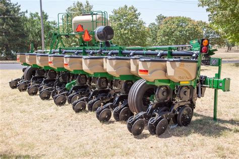 great plains planter yp 825a planter implement type yield pro planters