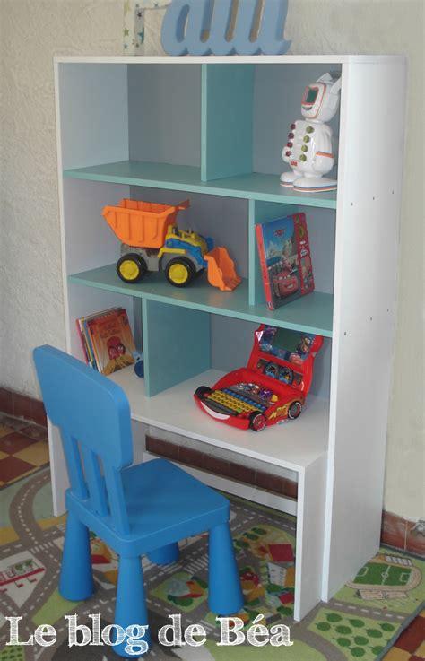 etagere chambre d enfant diy 233 tag 232 re pour chambre d enfant et coffre 224 jouets