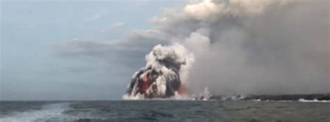lava bomb tour boat video lava bomb hits a tour boat in hawaii injuring 23 people