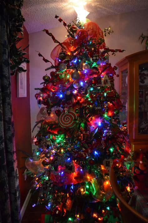 whoville tree lol christmas tree ideas pinterest
