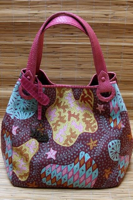 batik bag pattern 17 best images about batik fashion on pinterest jean