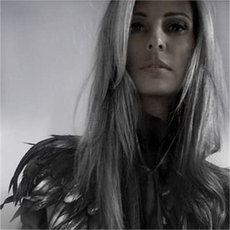 annika von holdt s heartfelt article on going gray 50 311 best images about going grey on pinterest