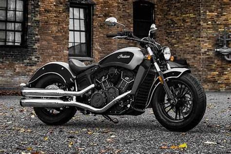Motorcycle Indian Scout Sixty 2018 2019 in Star Silver
