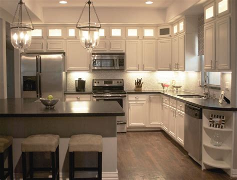 kitchen pendant lightning  contemporary home decor