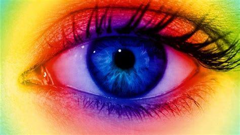 strange eye colors 10 things we didn t last week news
