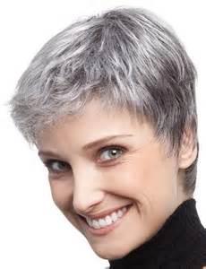 coupe courte cheveux gris