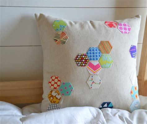 cara membuat kerajinan jahit cara membuat sarung bantal dari kain perca ragam