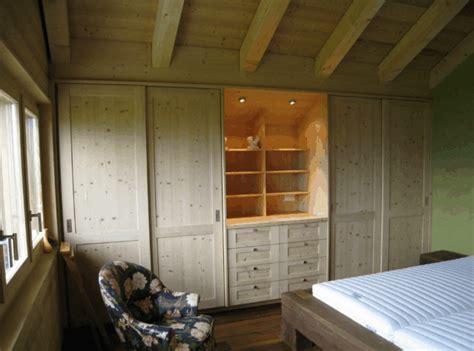 arredamenti legno falegnameria su misura fabbrichiamo manualmente arredi di