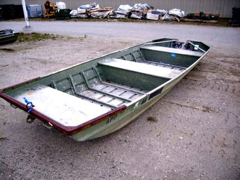 flat bottom boat new alumacraft 16 foot flat bottom jon boat on govliquidation