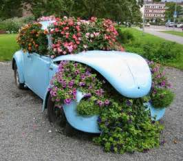 Flower beds yard decorations recycling cars tires 2 jpg