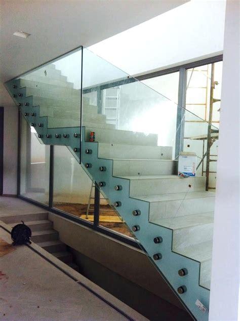 barandilla escalera interior barandilla escalera interior con zanca central peldaaos de