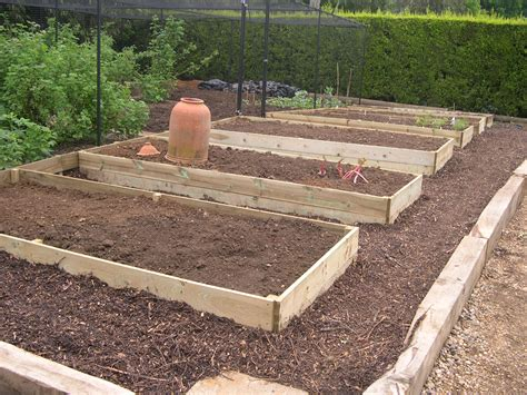 Vegetable Beds J M Fencing