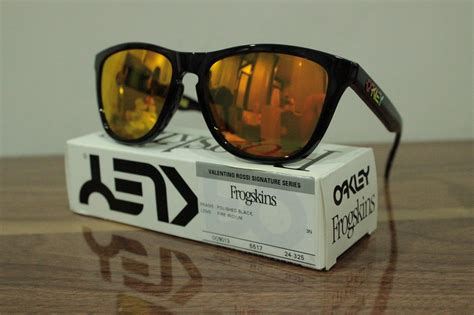 Kacamata Elegan Promo Sunglasses Frogskin Revert images kacamata oakley frogskin vr46