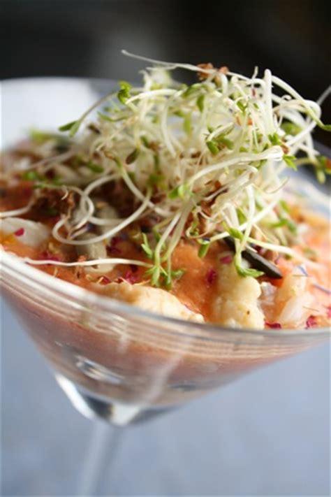 cuisiner araign馥 de mer gaspacho de tomate fenouil et araignee de mer