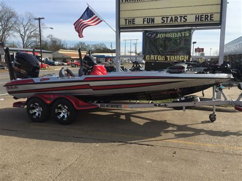 bass boat a vendre bateaux neufs bass cat boats bateaux en vente boats