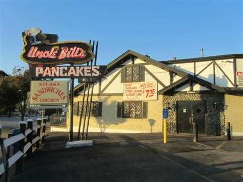 uncle bill s pancake house uncle bill s entrance picture of uncle bill s pancake house saint louis tripadvisor