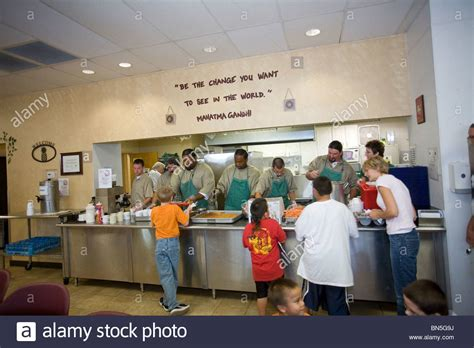 soup kitchen volunteer island soup kitchen volunteer