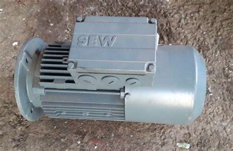 Motor Electric Trifazat 4 Kw by Motor Electric Trifazic 0 75 Kw 1380 Rpm 1680 Rpm