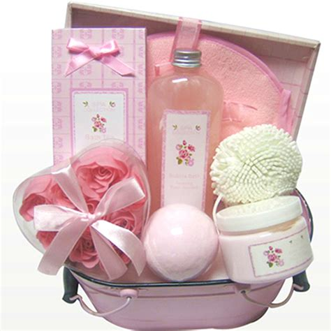 bathroom gifts 10 inexpensive gifts for women chicmags