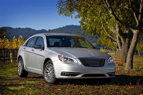 2012 Chrysler 200 Mpg by 2012 Chrysler 200 Review Specs Pictures Price Mpg