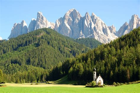 appartamenti santa maddalena val di funes vacanze escursionistiche nelle dolomiti escursioni in