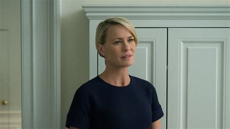 robin wright s hair color change in house of cards robin wright house of cards style season 4 instyle com