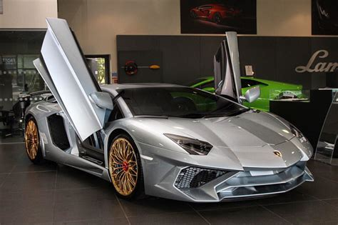 The Last Lamborghini Last Lamborghini Aventador Sv Revealed In Special