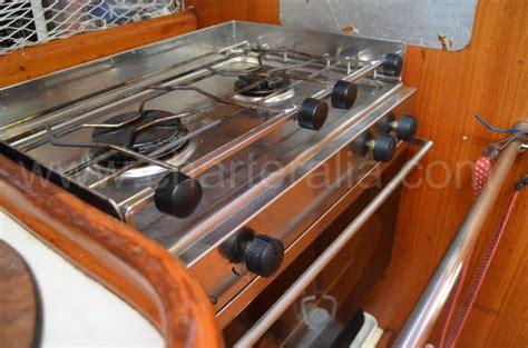 cocina barco cocina basculante barco alquiler barcos ibiza