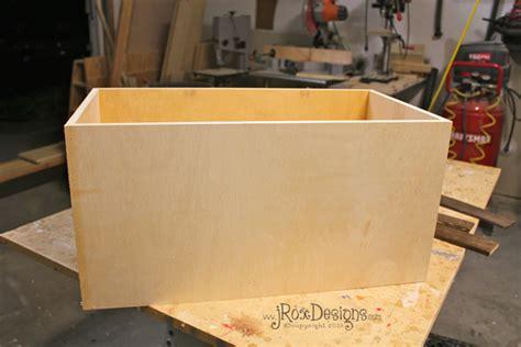 craftaholics anonymous diy toy box  herringbone design