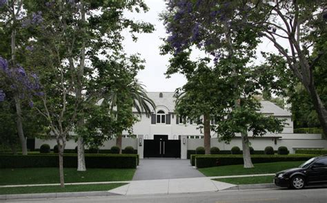 simon cowell house simon cowell in simon cowell s new beverly hills house zimbio