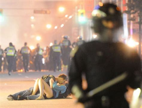 Vancouver Riot Kiss Meme - vancouver riot s kissing couple tell their story
