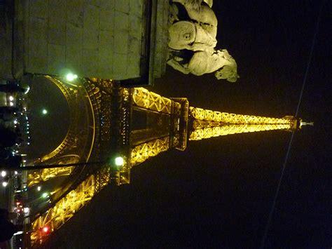 tour eiffel illuminata parigi 232 molto di pi 249 171 ti turismo itinerante