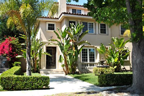 demis dog house demis house 28 images demi lovato s house toluca lake
