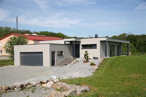 grand garage bois maison en ossature bois avec toit plat abt construction bois