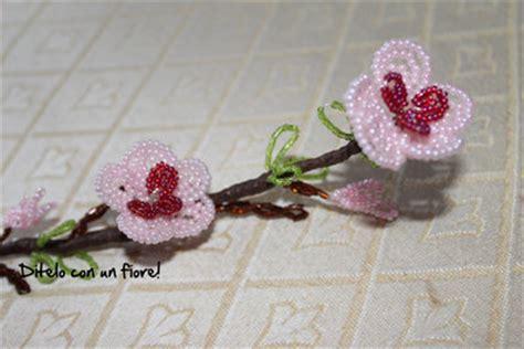 fiori di pesco bomboniere fiori di pesco con perline feste idee regalo di